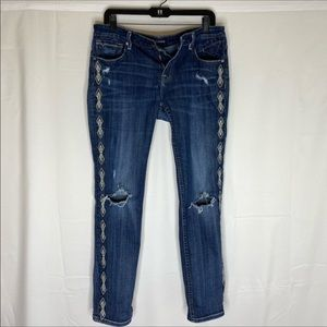 Vigoss Embroidered Jeans size 32